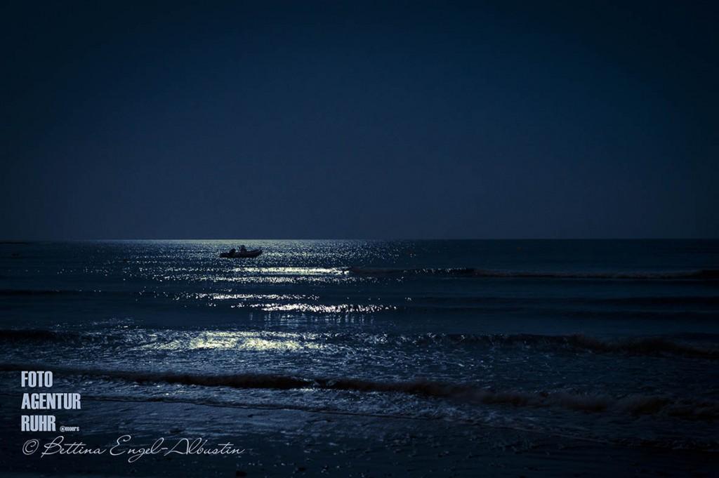 Horizont - Das Meer bei Nacht - Fuerteventura 2014 Bettina Engel-Albustin / fotoagentur-ruhr moers